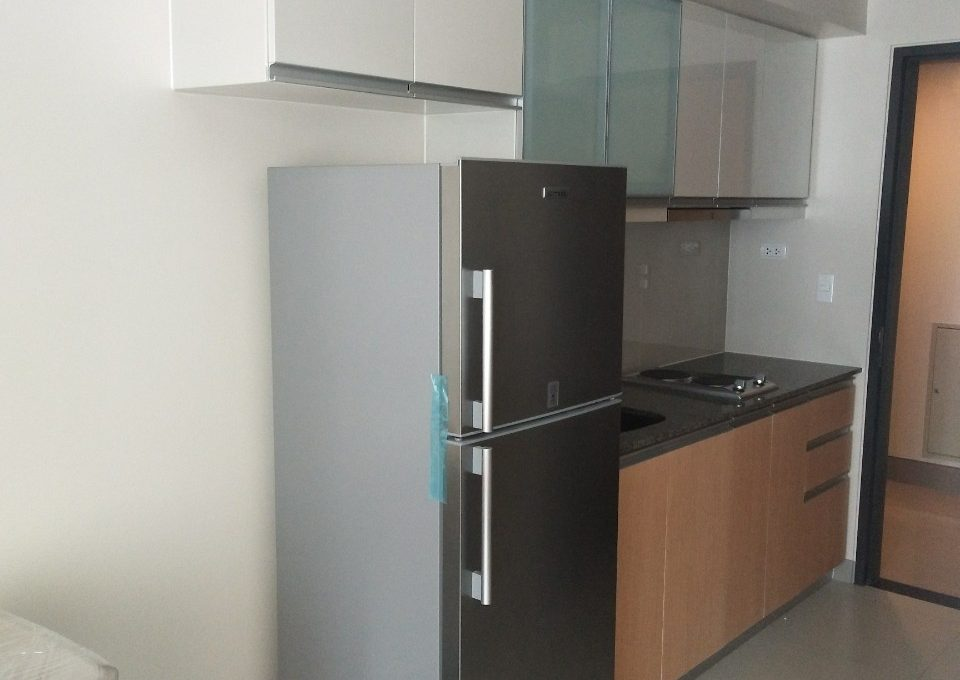 1 Bedroom condo unit For Sale in One Uptown Residence, BGC, Taguig City (2)