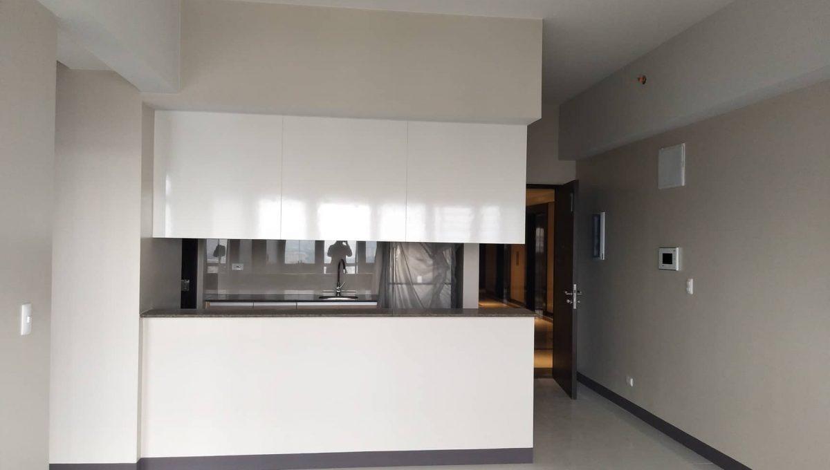1 Bedroom suite with balcony condo unit For Sale in Salcedo Skysuites , Makati, Metro Manila (10)
