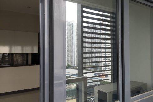 1 Bedroom suite with balcony condo unit For Sale in Salcedo Skysuites , Makati, Metro Manila (11)