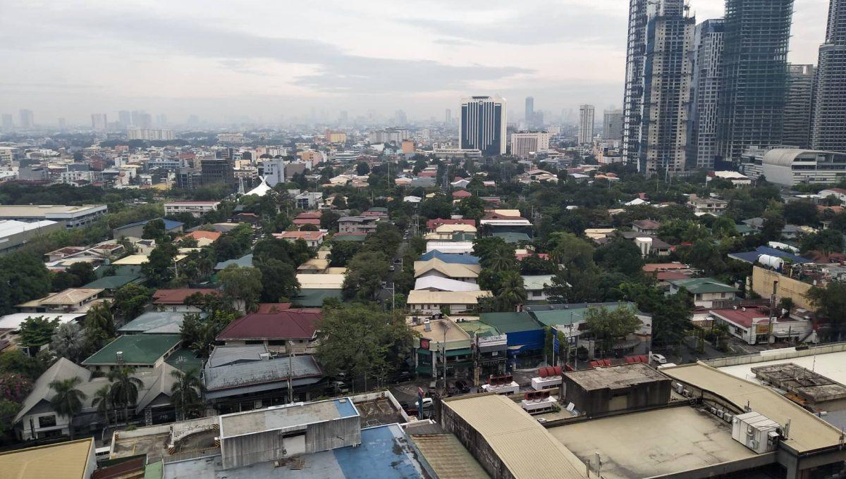 1 Bedroom suite with balcony condo unit For Sale in Salcedo Skysuites , Makati, Metro Manila (12)