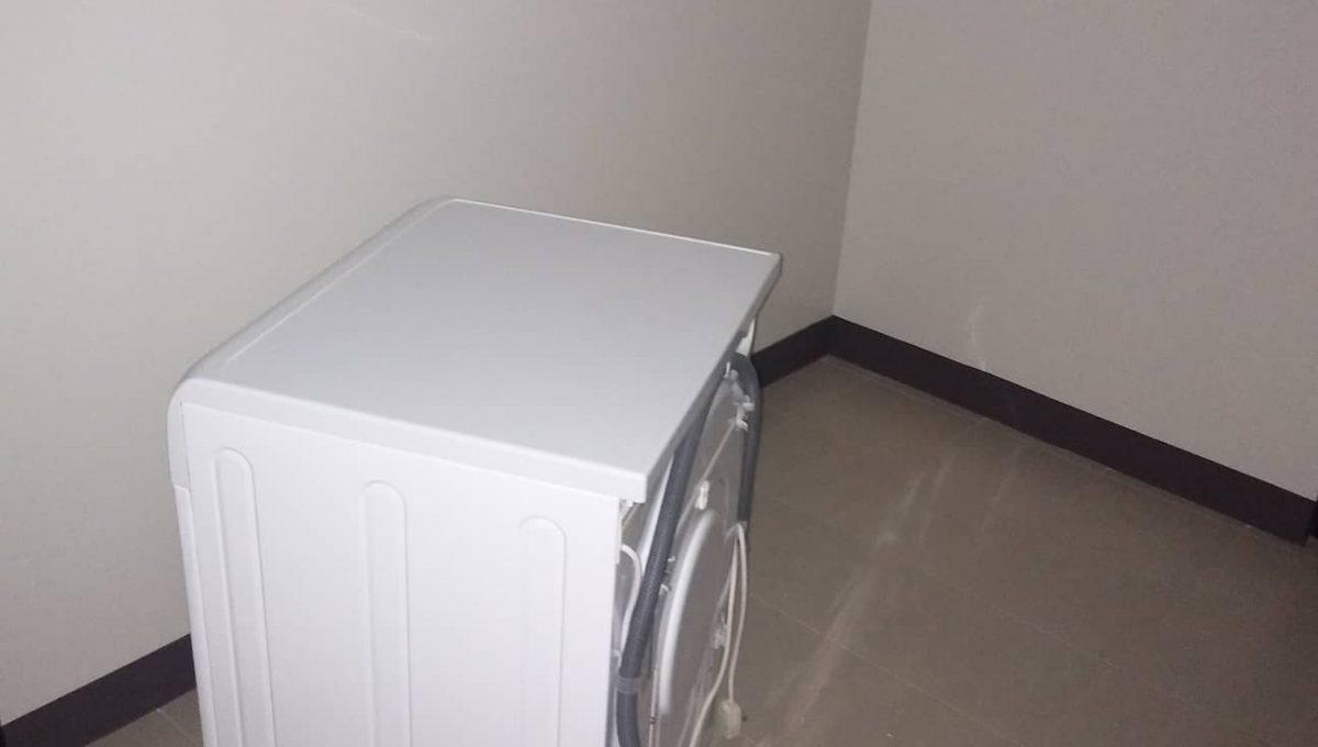 1 Bedroom suite with balcony condo unit For Sale in Salcedo Skysuites , Makati, Metro Manila (18)