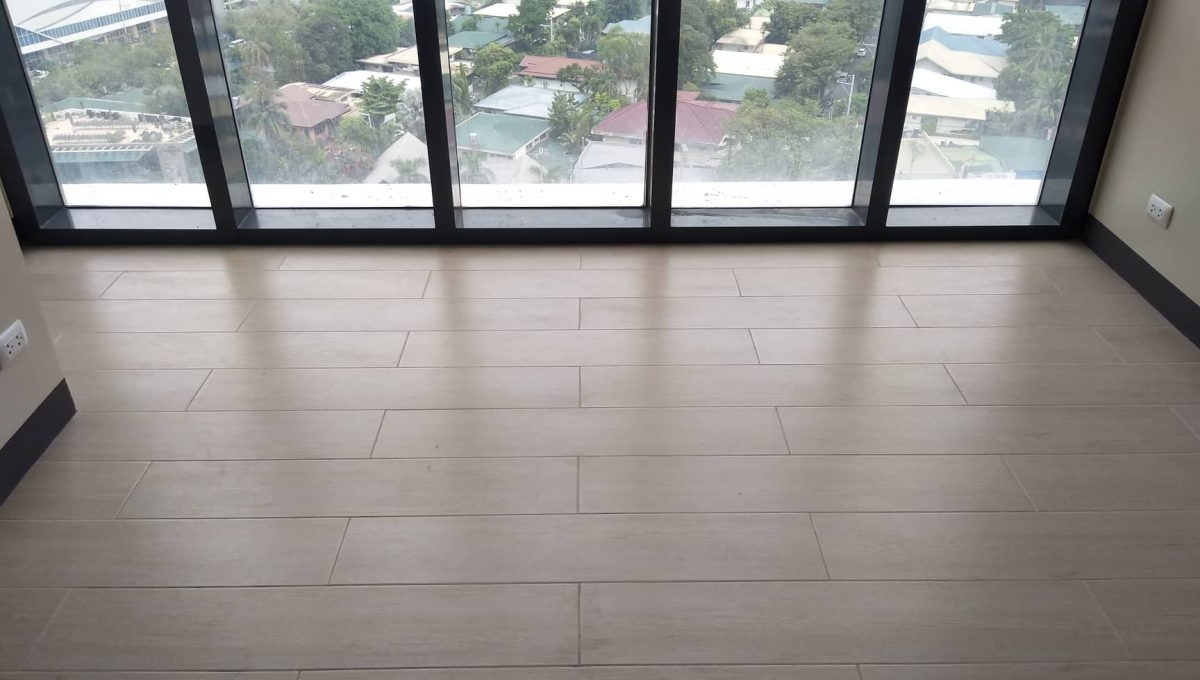 1 Bedroom suite with balcony condo unit For Sale in Salcedo Skysuites , Makati, Metro Manila (3)