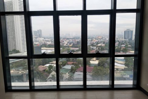 1 Bedroom suite with balcony condo unit For Sale in Salcedo Skysuites , Makati, Metro Manila (4)