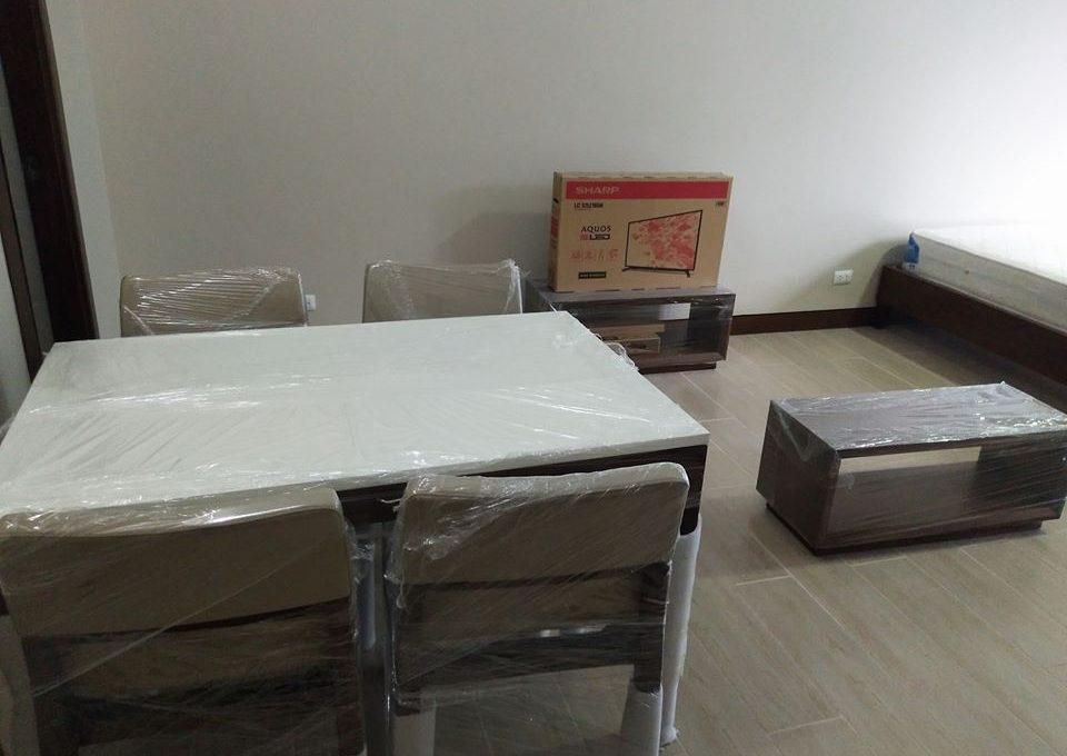 1 Bedroom with balcony condo unit For Sale in Three Central ,Makati ,Metro Manila (12)