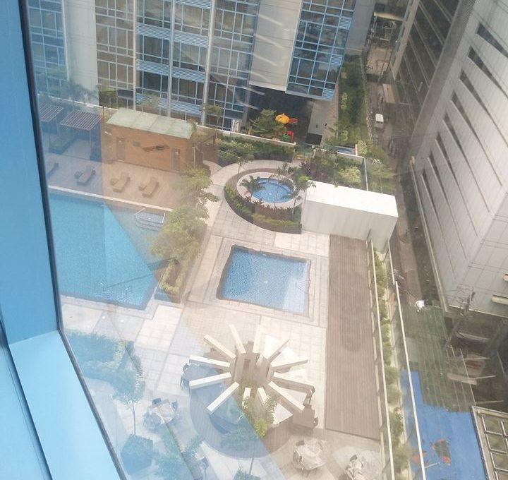 1 Bedroom with balcony condo unit For Sale in Three Central ,Makati ,Metro Manila (2)