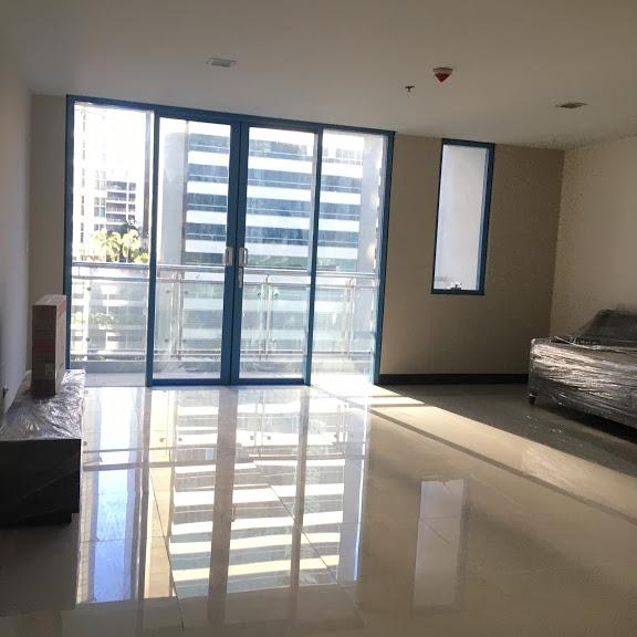1 Bedroom with balcony condo unit For Sale in Three Central ,Makati ,Metro Manila (22)