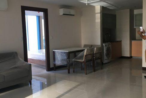 1 Bedroom with balcony condo unit For Sale in Three Central ,Makati ,Metro Manila (23)