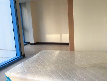 1 Bedroom with balcony condo unit For Sale in Three Central ,Makati ,Metro Manila (26)