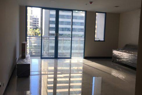 1 Bedroom with balcony condo unit For Sale in Three Central ,Makati ,Metro Manila (31)