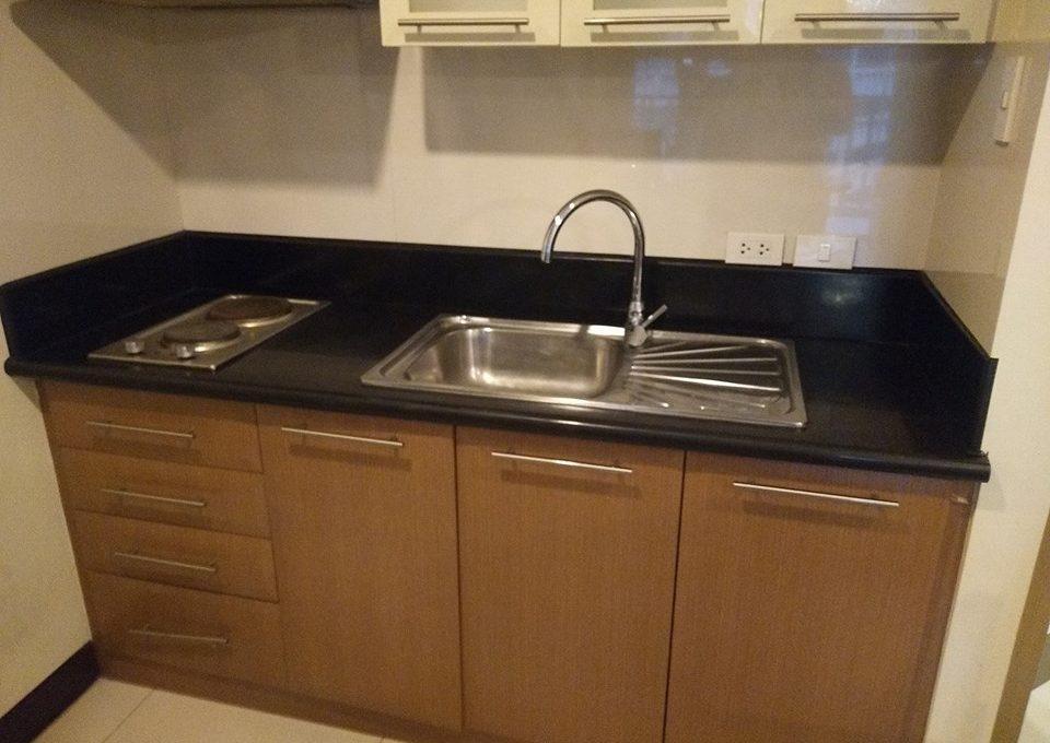 1 bedroom condo unit For Sale in One Central ,Makati ,Metro Manila (11)