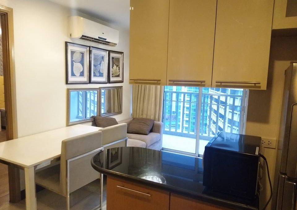1 bedroom condo unit For Sale in One Central ,Makati ,Metro Manila (8)