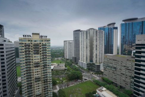 1 bedroom unit for sale in ICON PLAZA, BGC, The Fort, Taguig City (2)