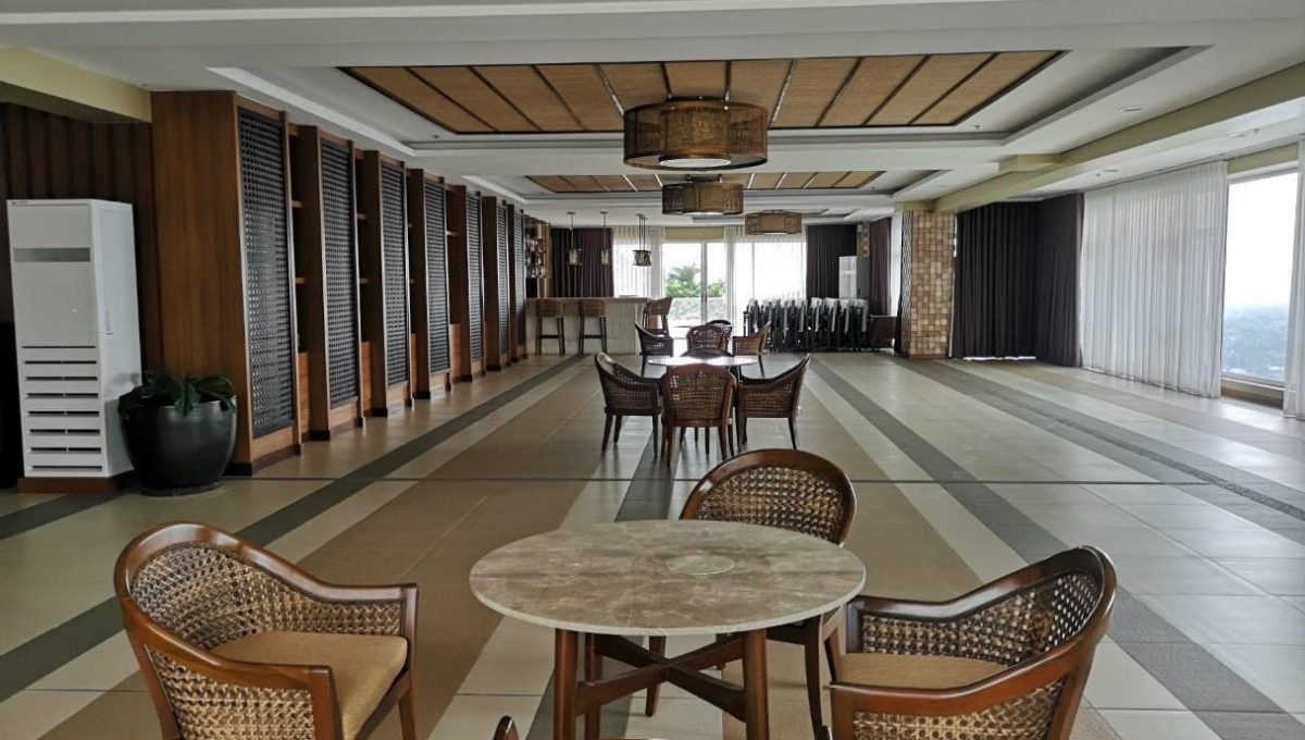 1 bedroom with balcony condo unit for Sale in Brio Tower Tower 5, Makati City (10)
