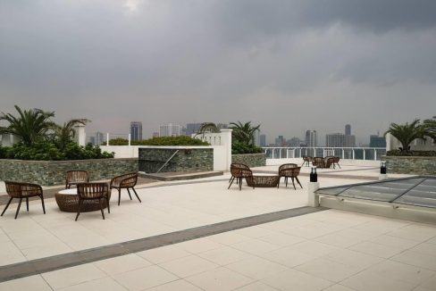 1 bedroom with balcony condo unit for Sale in Brio Tower Tower 5, Makati City (12)