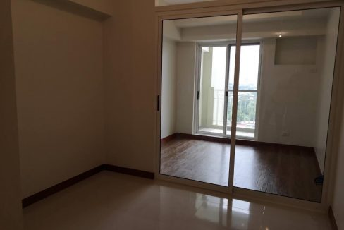 1 bedroom with balcony condo unit for Sale in Brio Tower Tower 5, Makati City