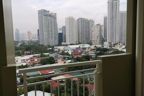 1 bedroom with balcony condo unit for Sale in Brio Tower Tower 5, Makati City (7)
