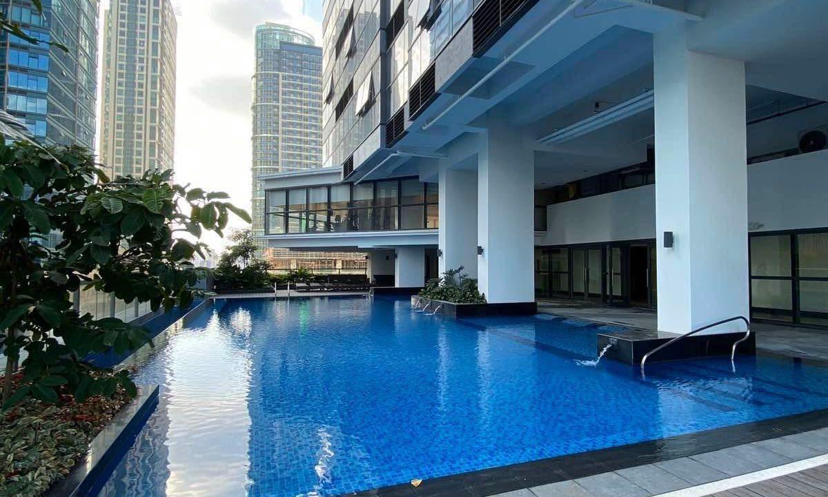 2 bedroom condo unit for Rent Uptown Ritz Residences, BGC, Taguig City