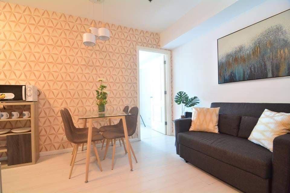2 bedroom condo unit for Sale in Azure Urban Resort Residences, Parañaque City (3)
