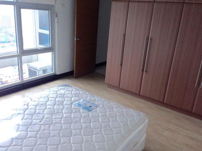 2 bedroom condo unit for Sale in Greenbelt Madison, Legazpi Village, Makati City (7)