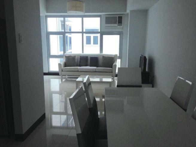 2 bedroom condo unit for Sale in Greenbelt Madison, Legazpi Village, Makati City (8)