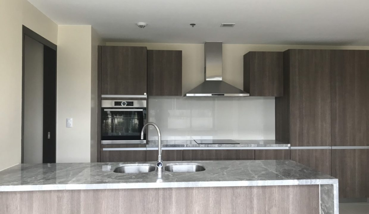 3 Bedroom with balcony condo unit For Sale in St. Moritz Private Estate in Mckinley West, Taguig City (11)