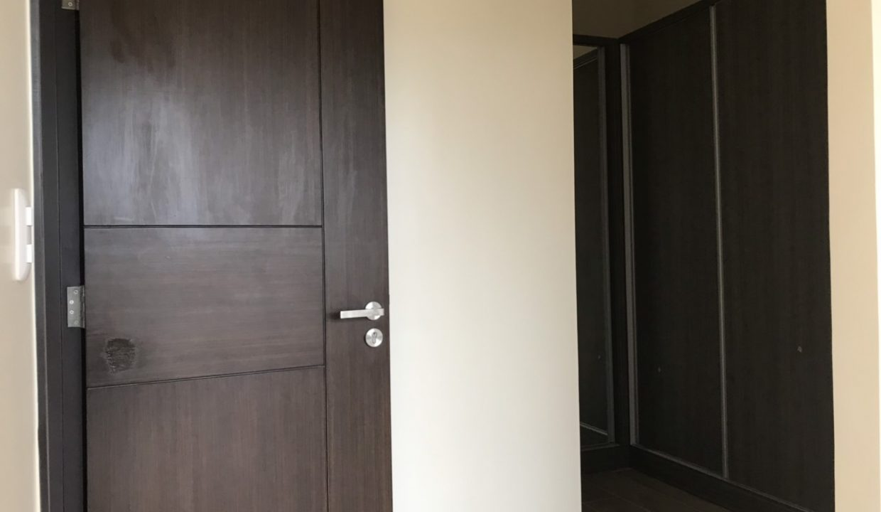 3 Bedroom with balcony condo unit For Sale in St. Moritz Private Estate in Mckinley West, Taguig City (5)
