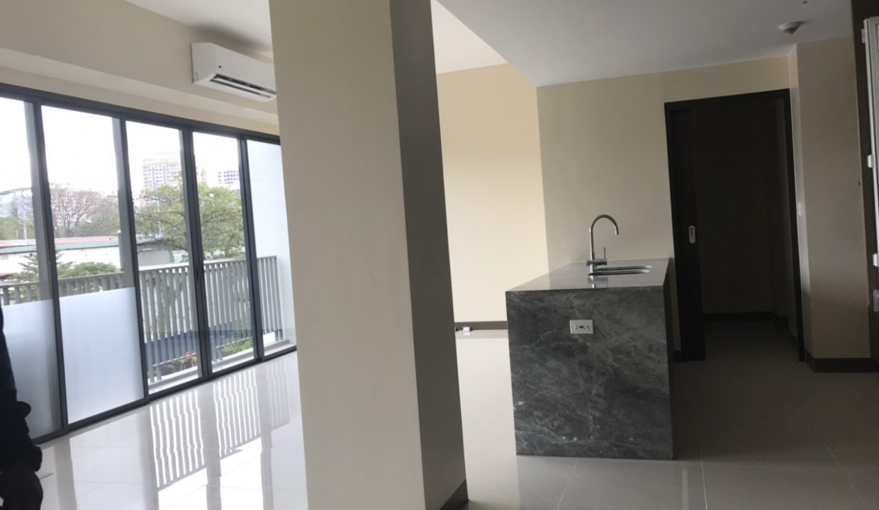 3 Bedroom with balcony condo unit For Sale in St. Moritz Private Estate in Mckinley West, Taguig City (6)