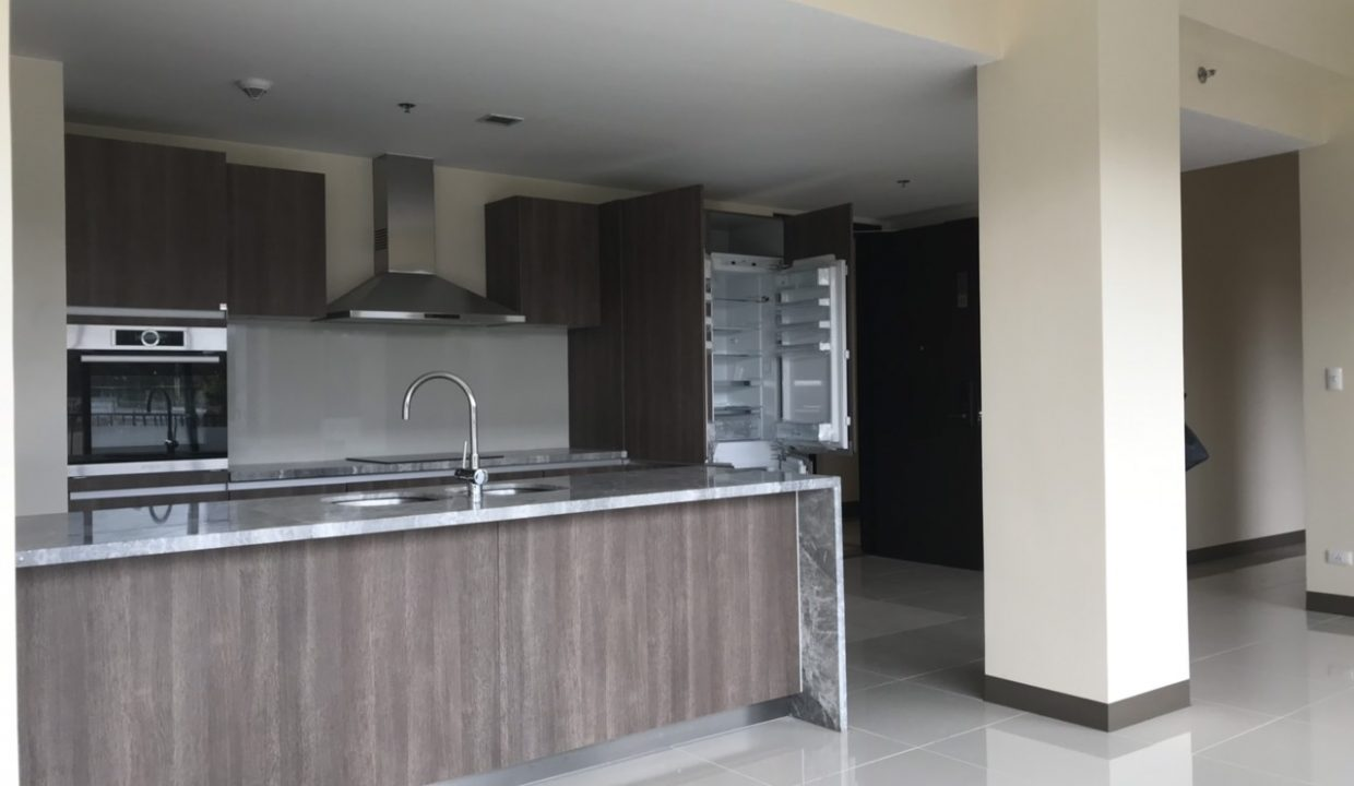 3 Bedroom with balcony condo unit For Sale in St. Moritz Private Estate in Mckinley West, Taguig City (7)