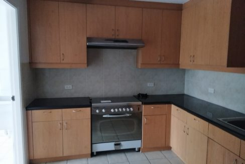 3 bedroom bi-level condo unit For Sale in 115 Upper Mckinley , Fort Bonifacio Taguig City (12)