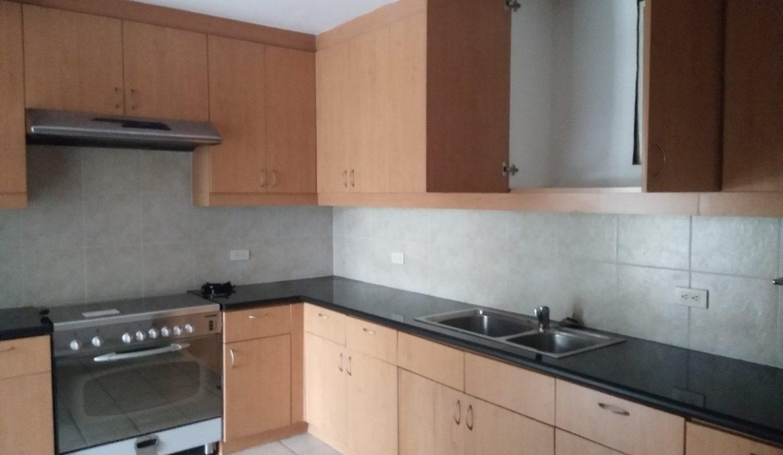 3 bedroom bi-level condo unit For Sale in 115 Upper Mckinley , Fort Bonifacio Taguig City (13)