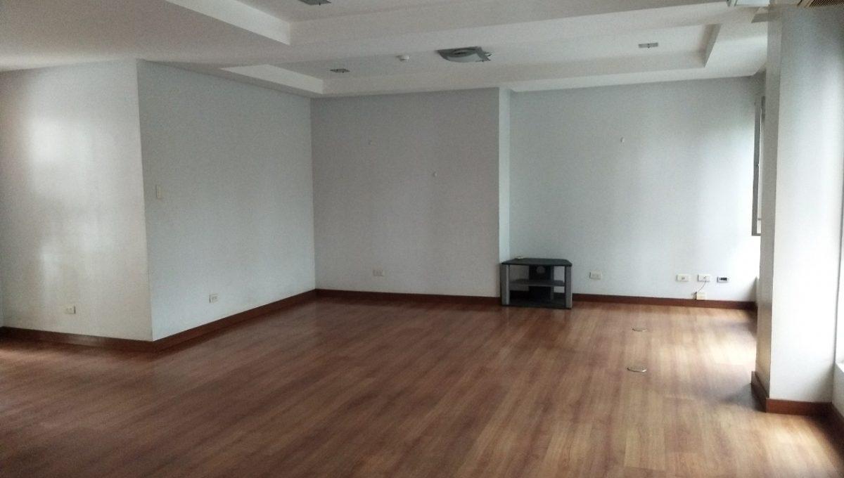 3 bedroom bi-level condo unit For Sale in 115 Upper Mckinley , Fort Bonifacio Taguig City (15)