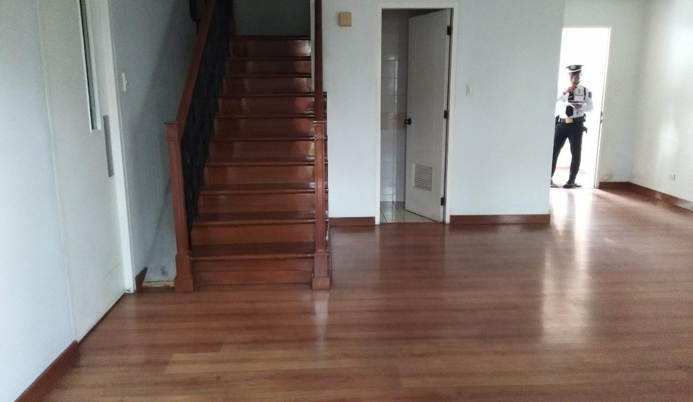 3 bedroom bi-level condo unit For Sale in 115 Upper Mckinley , Fort Bonifacio Taguig City (18)