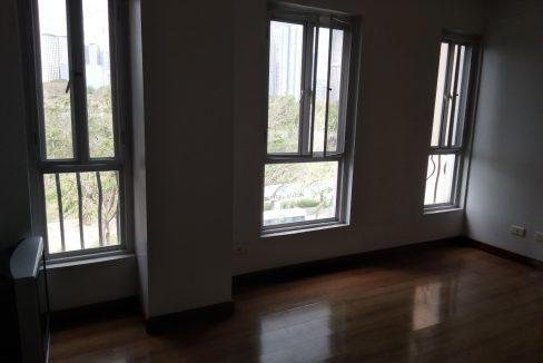 3 bedroom bi-level condo unit For Sale in 115 Upper Mckinley , Fort Bonifacio Taguig City (9)