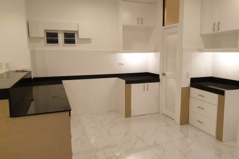 4 Bedrooms House and Lot for Sale in BF Homes Sinagtala, Parañaque City (19)