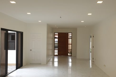 4 Bedrooms House and Lot for Sale in BF Homes Sinagtala, Parañaque City (2)
