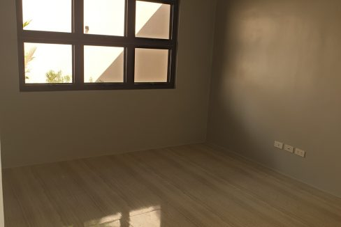 4 Bedrooms House and Lot for Sale in BF Homes Sinagtala, Parañaque City (23)