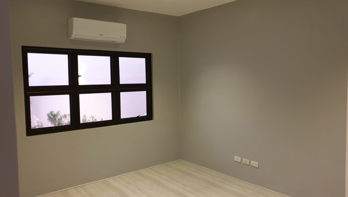 4 Bedrooms House and Lot for Sale in BF Homes Sinagtala, Parañaque City (5)