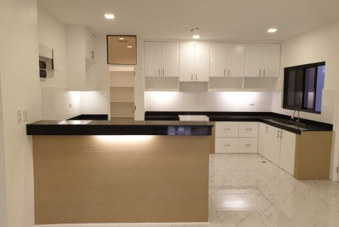 4 Bedrooms House and Lot for Sale in BF Homes Sinagtala, Parañaque City (8)