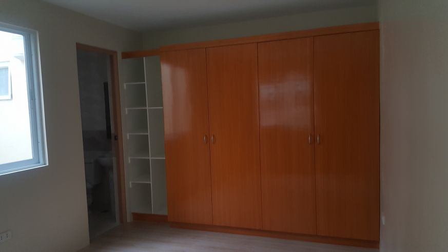 5 bedroom Townhouse unit for Sale in Katarungan Village, Felix Street Poblacion, Muntinlupa (10)