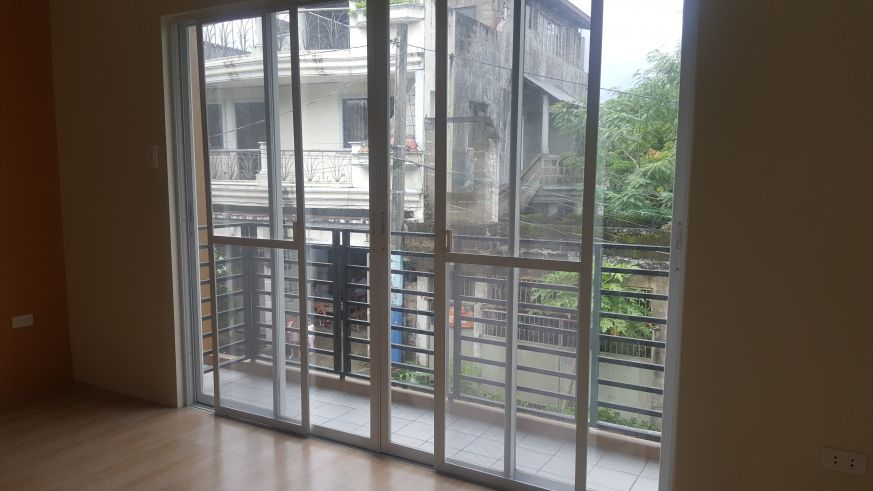 5 bedroom Townhouse unit for Sale in Katarungan Village, Felix Street Poblacion, Muntinlupa (9)