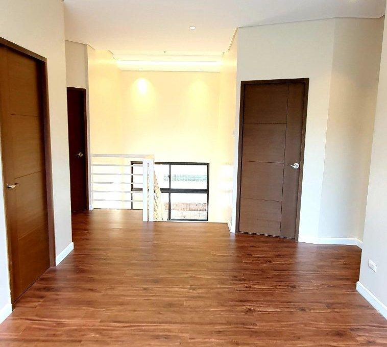 House and lot for sale in BF home paranaque (1)