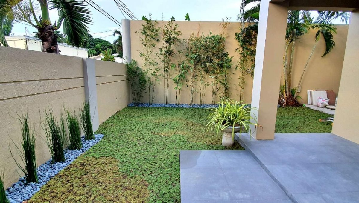 House and lot for sale in BF home paranaque2