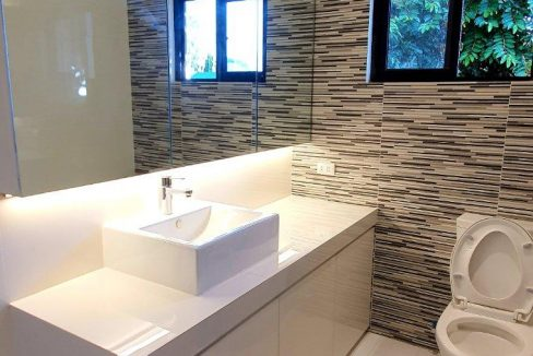House and lot for sale in BF home paranaque4