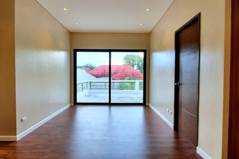 House and lot for sale in BF home paranaque5