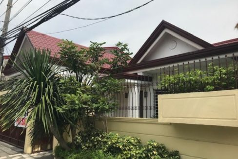 House and lot for sale in Greenwoods Executive Village in Pasig (10)