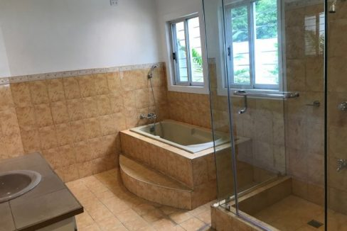 House and lot for sale in Greenwoods Executive Village in Pasig (8)