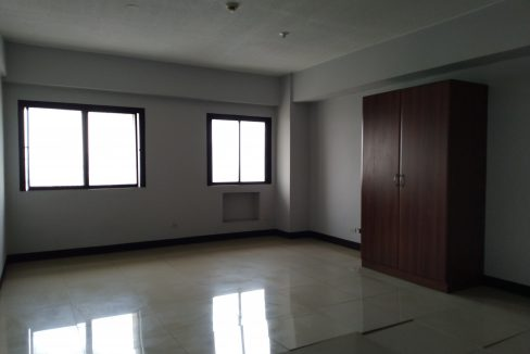 Studio condo unit For Sale in El Jardin del Presidente 2 besides ABS CBN  (3)