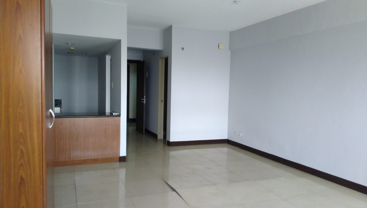Studio condo unit For Sale in El Jardin del Presidente 2 besides ABS CBN  (6)